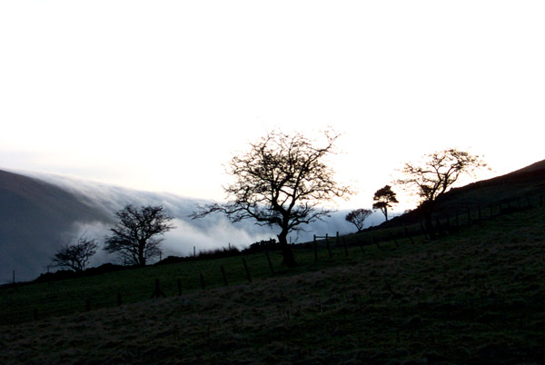 Clouds over the hill, Edale